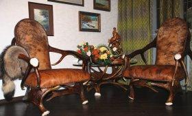 Кресла из рогов и шкур - подарок охотнику