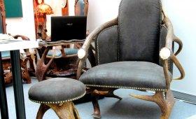 кресло из натуральных рогов и шкур