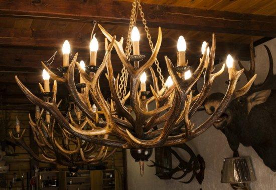 Люстра из оленьих рогов с 12 свечами