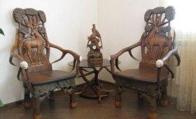 Резные кресла ручной работы