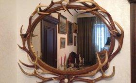 Зеркало с натуральными рогами оленя