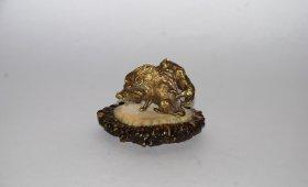 bronzovaya-skulptura-okhota-na-kabana