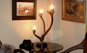 Светильник из рога оленя - подарок охотнику