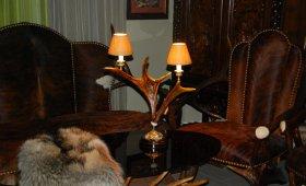 svetilnik-nastolnyj-iz-losinogo-roga.3