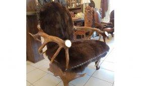 kreslo-iz-rogov-medved